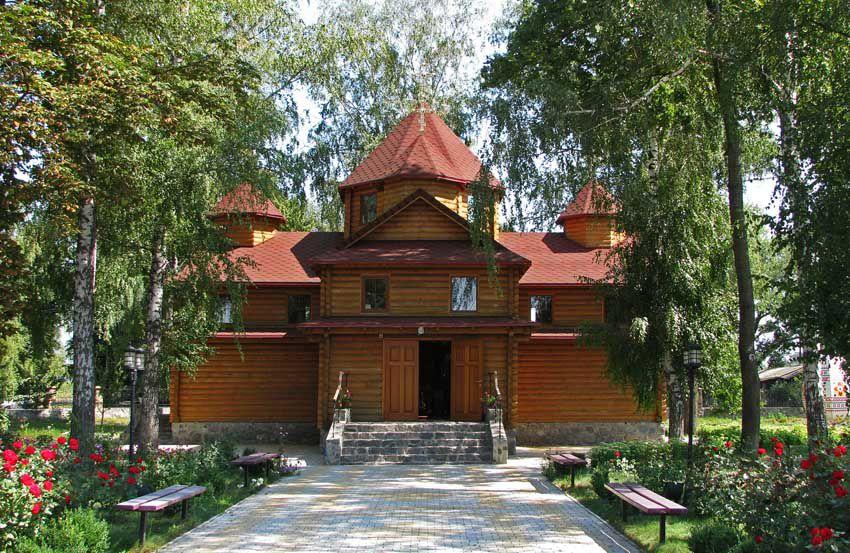 Гадяч. Церковь Михаила Архангела